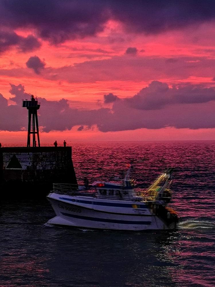 Chalutier La Persévérance peche en mer